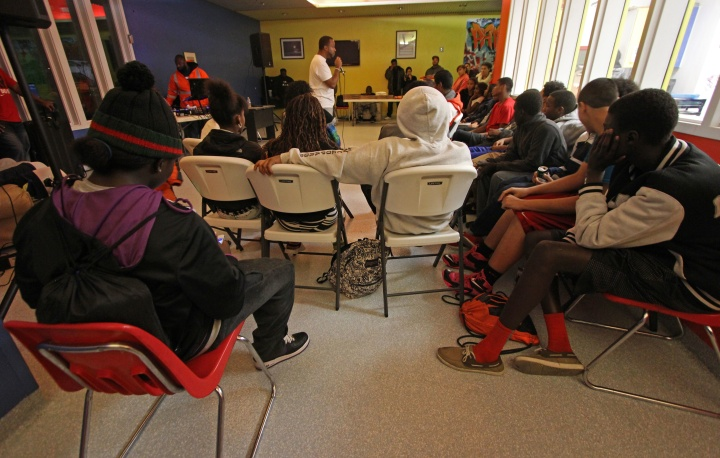 Jamon Morgan talks to teens at the Mountain View Boys & Girl Club Nov. 14.