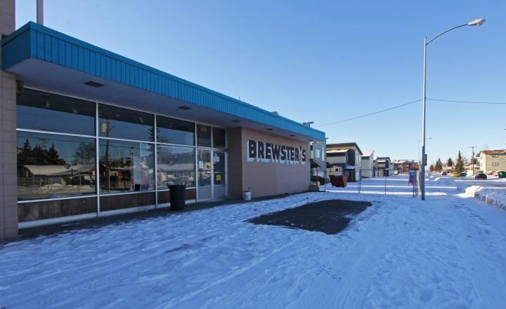 Brewster's exterior 1