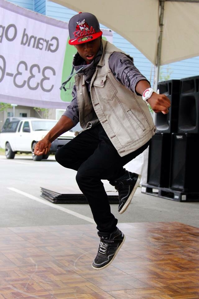 Marcus Freeman performing at the 2013 Mountain View Street Fair.